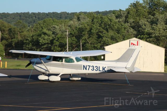 Cessna Skyhawk (N733LK) - N733LK on a tie-down @ KSEG right after flying in from Ohio for a photography shoot.