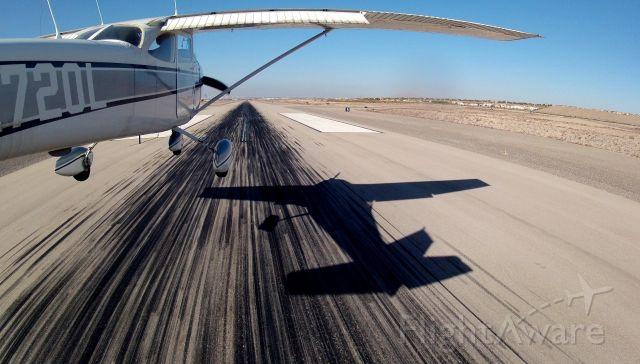 Cessna Skyhawk (N2720L)