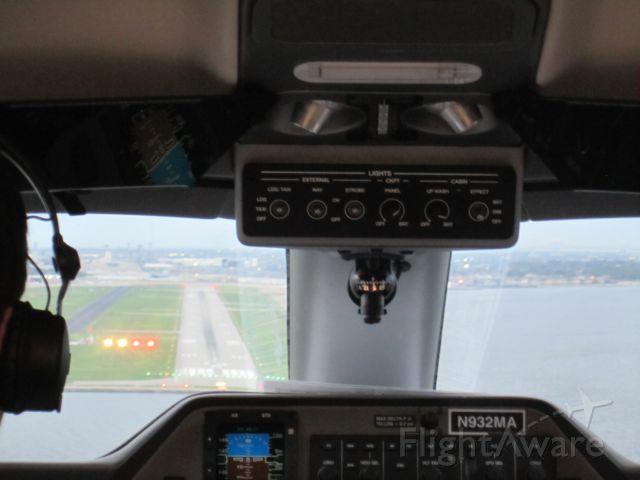 Embraer Phenom 100 (N932MA) - Lakefront Landing