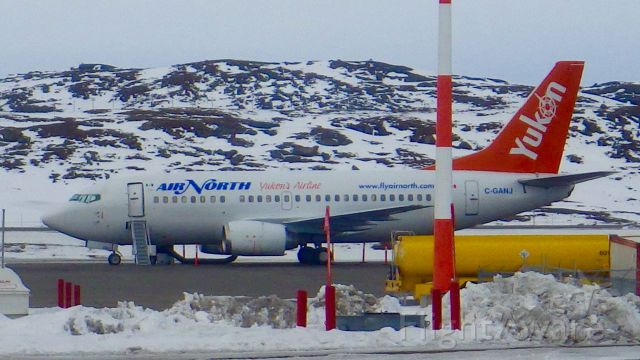 Boeing 737-500 (C-GANJ) - Located here in Iqaluit on May 1st, 2015. Going to be a nice day here.