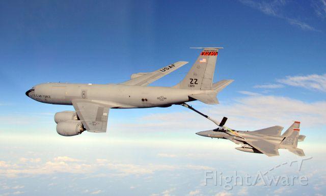 — — - KC-135 refueling a F-15