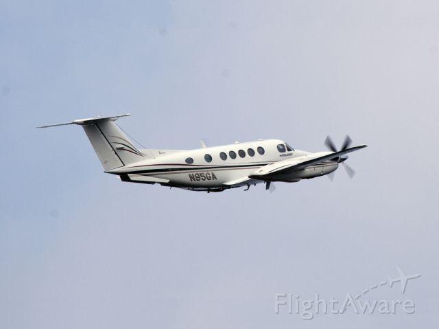 Beechcraft Super King Air 200 (N95GA) - Take off RW16.