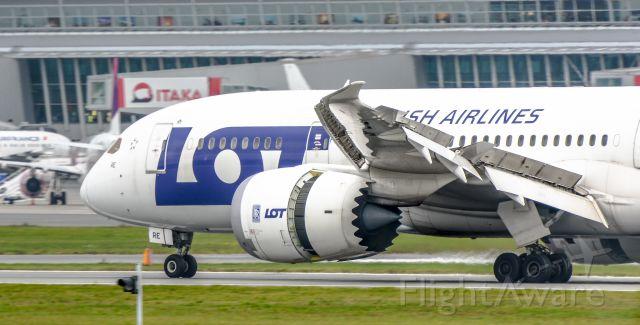 Boeing 787-8 (SP-LRE)