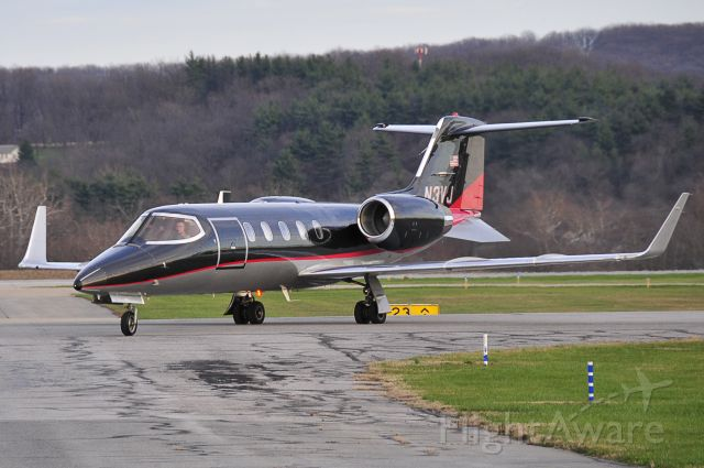 "Learjet 31 (N3VJ) - Seen at KFDK on 11/29/2009.      <a href=""http://discussions.flightaware.com/profile.php?mode=viewprofile&u=269247"">  [ concord977 profile ]</a>"