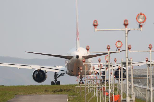 BOEING 767-300 (JA659J) - 19 May 2016:HKD-HND.