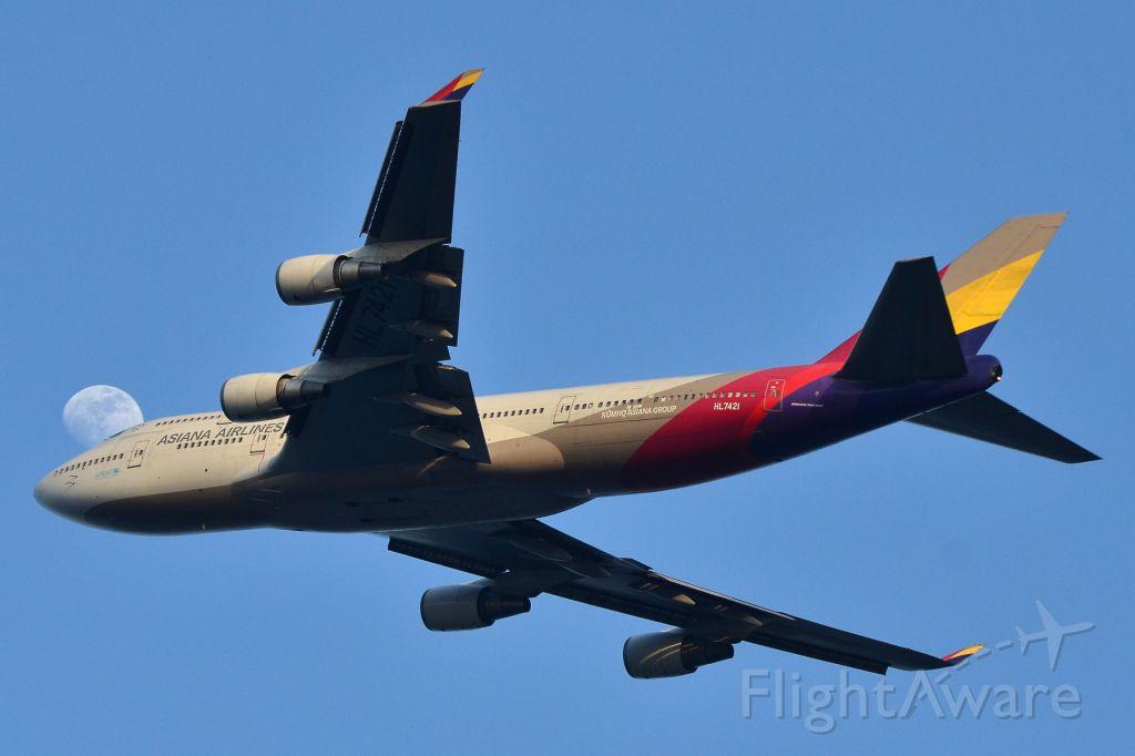 Boeing 747-400 (HL7421)