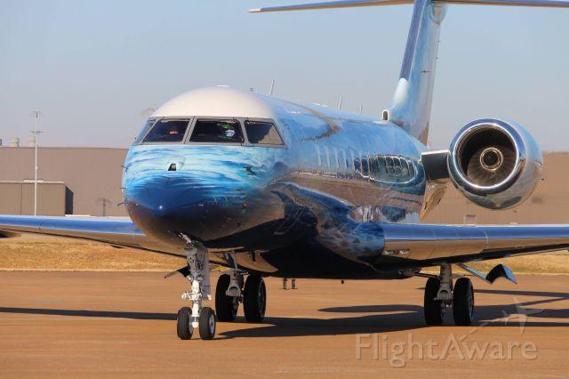 Bombardier Global 5000 (N117TF)