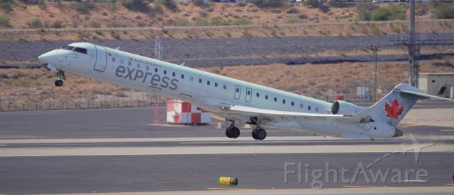 Canadair Regional Jet CRJ-900 (C-FUJZ) - Phoenix Sky Harbor International Airport 24SEP19