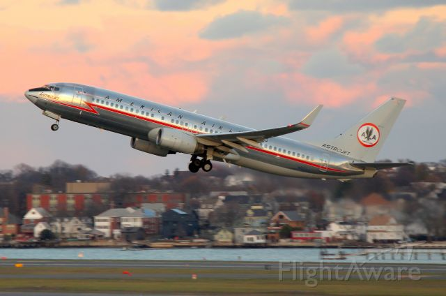Boeing 737-800 (N951AA) - AA 2552 early evening departure to Dallas