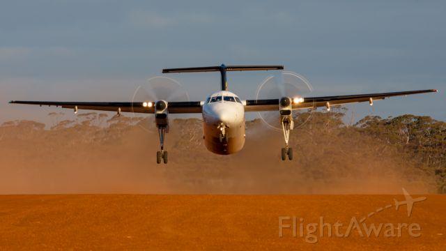de Havilland Dash 8-300 (VH-XFZ)
