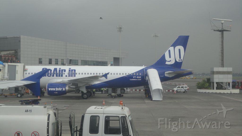 Airbus A320 (VT-WAK) - Image of a GoAir A320
