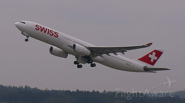 Airbus A330-300 (HB-JHL)