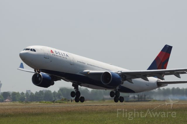 Airbus A330-300 (N853NW)