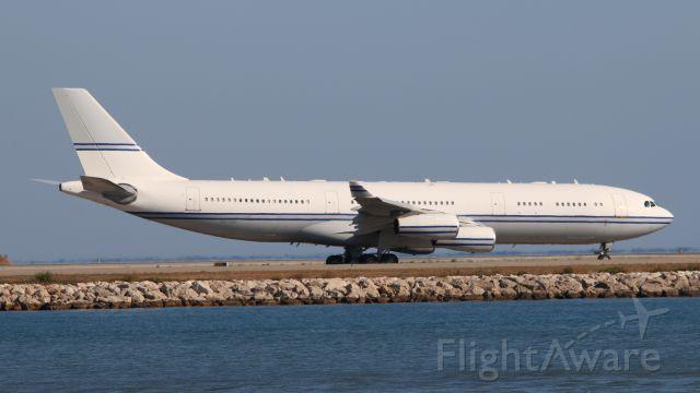 Airbus A340-200 (SHU124) - AZ-124