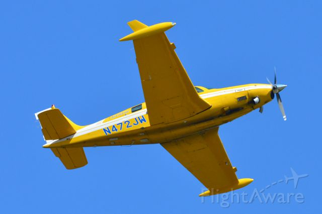 Beechcraft Bonanza (N472JW)