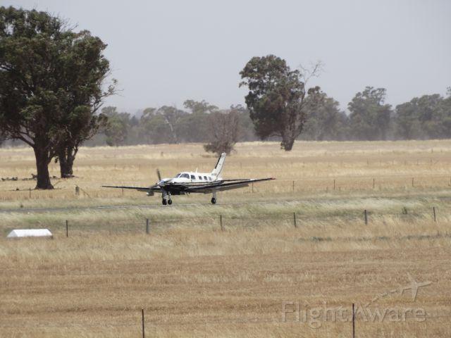 — — - 30kt cross wind landing