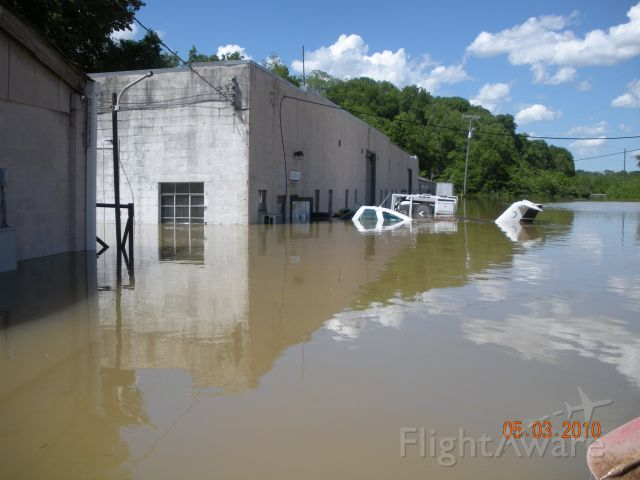 """Beechcraft Skipper (N3727V) - """"Skipper"""" under the Mighty Cumberland River for eventually 7days."""