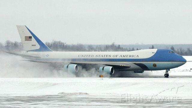 Boeing 747-200 (N28000) - re-edit from Feb 2009