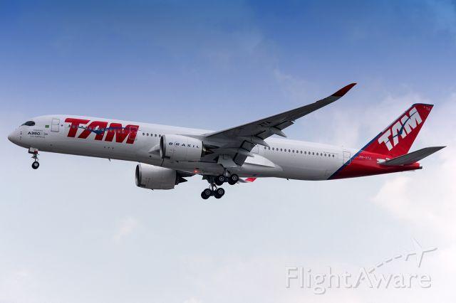 Airbus A350-900 (PR-XTA)