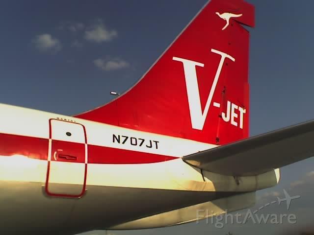 Boeing 707-100 (N707JT)