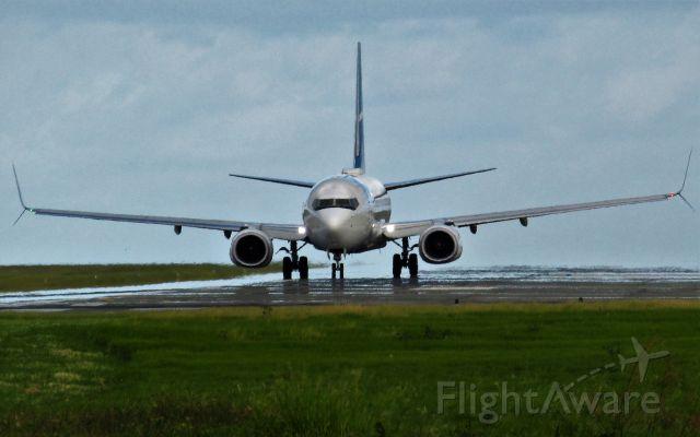Boeing 737-800 (C-FXMS)