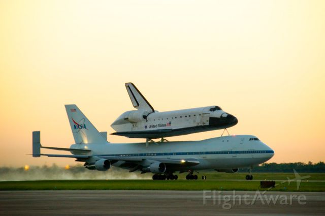 N905NA — - Space Shuttle Endeavour departs Houston Ellington Field at sunrise on September 20, 2012