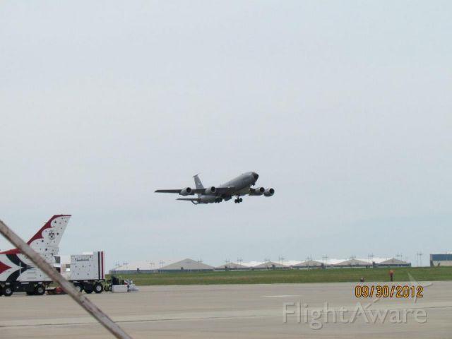 Boeing C-135FR Stratotanker (63-8002)