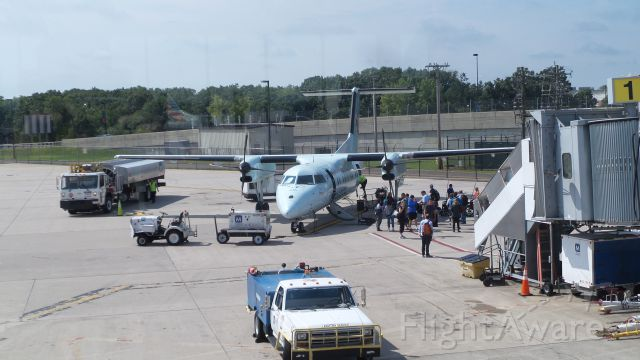 C-FPON — - Passengers boarding Air Canada Dash-8 from Bradley Airport.