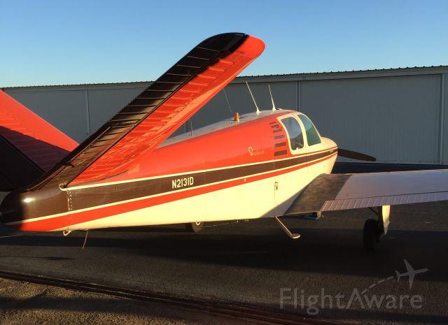 Beechcraft 35 Bonanza (N2131D)