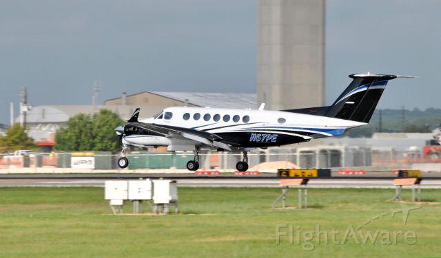 Beechcraft Super King Air 300 (N57PE)