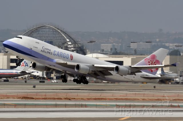 Boeing 747-400 (B-18709)