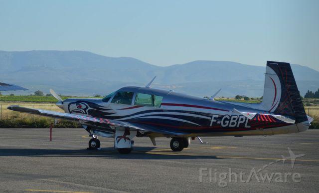 Mooney M-20 Turbo (F-GBPL) - PULLARA