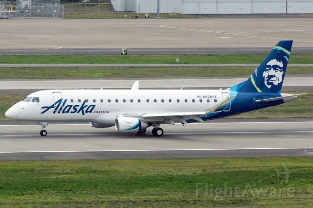 """Embraer 175 (N620QX) - The first E-175 for Horizon Air slowing down after passing the QX ramp in PDX. Full quality poto here --> <a rel=""""nofollow"""" href=""""http://www.airliners.net/photo/Alaska-Airlines-%28Horizon-Air%29/Embraer-175LR-%28ERJ-170-200LR%29/4271179/L"""">http://www.airliners.net/photo/Alaska-Airlines-%28Horizon-Air%29/Embraer-175LR-%28ERJ-170-200LR%29/4271179/L</a>"""