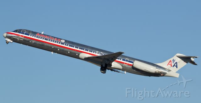 McDonnell Douglas MD-83 (N9405T) - Tucking the wheels in the wells while on the climb away from runway 16R, American