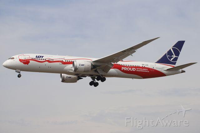 Boeing 787-9 Dreamliner (SP-LSC)