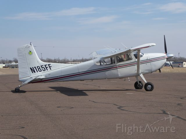 Cessna Skywagon (N185FF)