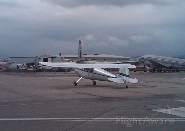 Cessna Skyhawk (N3996V)