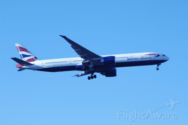 BOEING 777-300 (G-STBB) - Final Approach to NRT Airport Runway 34L on 2011/12/12