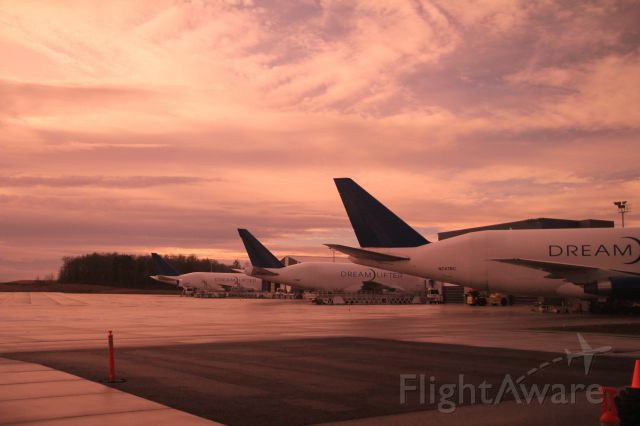 Boeing 747-400 — - 3 of the 4 Dreamlifters lie in a row