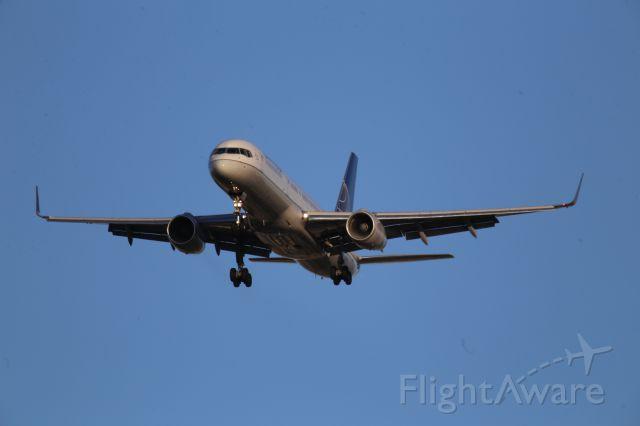 Boeing 757-200 (N34137)
