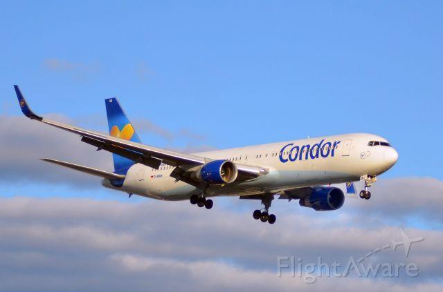 BOEING 767-300 (D-ABUB)