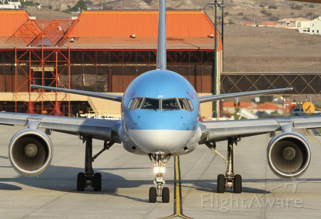 Boeing 757-200 (G-OOBP) - face to face