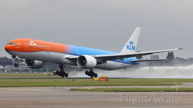 BOEING 777-300 (PH-BVA) - First time she lift uo into the sky, KLM`s Orange Pride.