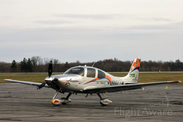 Cirrus SR-22 (N987TM)