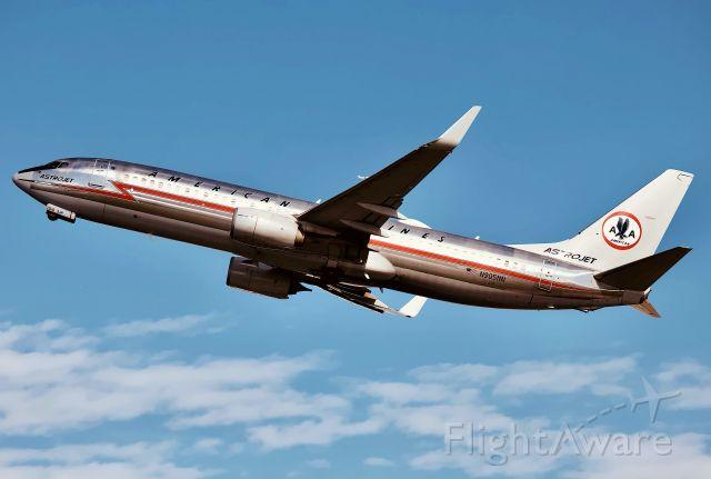 Boeing 737-800 (N905NN)