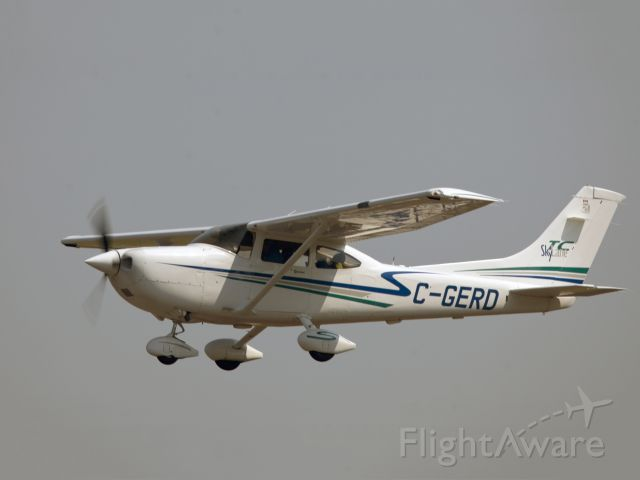 STODDARD-HAMILTON Glasair (C-GERD) - Take off runway 26.