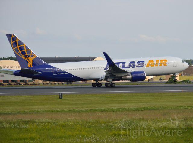BOEING 767-300 (N649GT) - Giant 8608 heavy touching down on Runway 24 at KBDL Bradley International Airport 06-11-16