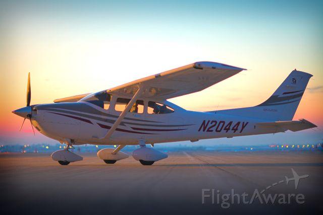 Cessna Skylane (N2044Y)