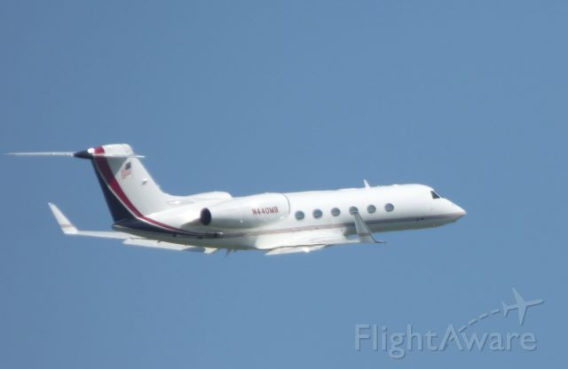 N440MB — - Shown here climbing out is a Gulfstream G450 in the Summer of 2016.