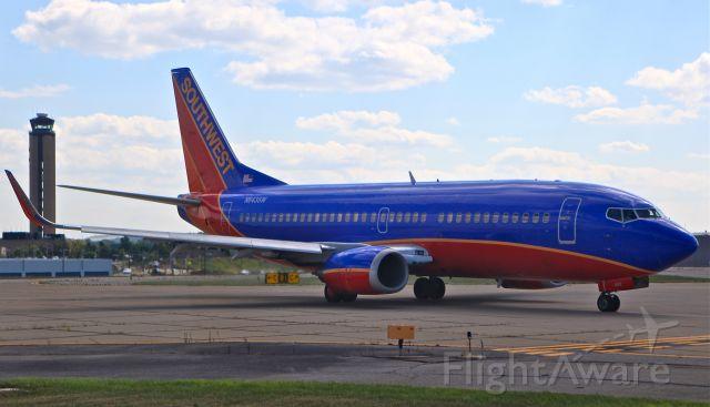 Boeing 737-700 (N643SW)